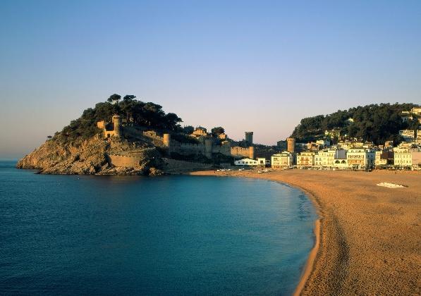 Чем привлекает туристов Испания?