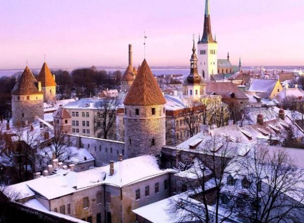 Новогодные праздники в Финляндии: готовим сани летом