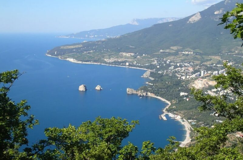 Сочетание горного и морского климата, как главные факторы оздоровления